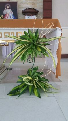 Flowers Arrangements For Church Palm Sunday 42 Ideas Tropical Flower Arrangements, Church Flower Arrangements, Beautiful Flower Arrangements, Tropical Flowers, Altar Flowers, Church Flowers, Funeral Flowers, Wedding Flowers, Contemporary Flower Arrangements