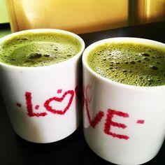 Odkryliśmy sekret przygotowania matchy - mix do kwadratu wody i matchy  Dobrze wymieszana zielona matcha da Wam wspaniały zielony pełen esencji napar na sobotnie popołudnie. Polecamy Wam na bio-market.pl #amazing #tea #matcha #bio #biomarket #biomarketpoznan #followme #pic #picoftheday #instalike #instagood #followme #lazysaturday #teatime #greentea  #nature #vegan #vegetarian #instagram #instadaily #photooftheday #poznan #winogrady