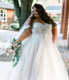 A line princess wedding dress plus size, Pictures of plus size wedding dresses with sleeves. Designer Wedding Dresses, Bridal Dresses, Off Shoulder Wedding Dress, Elegant Ball Gowns, Plus Size Brides, Plus Size Wedding Gowns, Curvy Bride, Tulle Wedding, Gown Wedding
