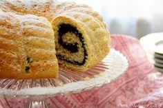 Unavená vařečka: Bábovka plněná mákem Bunt Cakes, Other Recipes, Muffins, Sweets, Breakfast, Food, Morning Coffee, Muffin, Gummi Candy