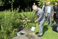 You may remember that back in June Campaign for Wool global patron, His Royal Highness The Prince of Wales, hosted a very special experiment, at Clarence House, to demonstrate just how quickly wool can biodegrade in soil. Two sweaters were buried side by side in a flowerbed, they looked the...