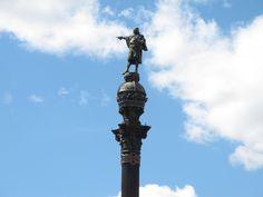 El Monumento a Colón se inauguró en 1888 para la Exposición Universal. http://www.viajarabarcelona.org/lugares-para-visitar-en-barcelona/monumento-a-colon/ #turismo #Barcelona