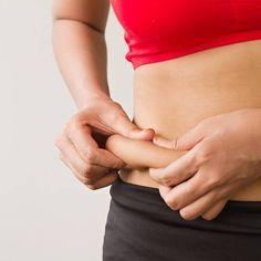 Du machst mindestens einmal pro Woche Sport – und trotzdem möchte dein Bauchfett nicht schmelzen? Dann liegt das vermutlich an einem der folgenden 12 Gründe.