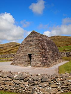 The Gallarus Oratory is just one of the historic sites along Slea Head Drive on the Dingle Peninsula. Part of the Wild Atlantic Way. Ireland Vacation, Ireland Travel, Galway Ireland, Cork Ireland, Ireland With Kids, Wild Atlantic Way, Just Dream, Republic Of Ireland, Historical Sites