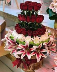 The Undermined Importance of Flowers - Send Flowers Online Creative Flower Arrangements, Tropical Flower Arrangements, Flower Arrangement Designs, Funeral Flower Arrangements, Rose Arrangements, Beautiful Flower Arrangements, Funeral Flowers, Unique Flowers, Exotic Flowers