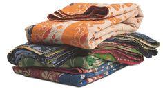 Picknicken in stijl doe je op één van deze handgemaakte Indische sari's. Elk stuk is uniek!