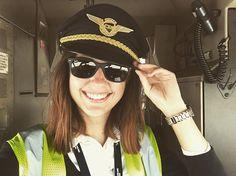 On the way to ARN ✈️ Už zase kradu čepice  #pilot #pilotgirl #copilot #pilotka #plane #atr #atr42 #atr72 #atrlovers #turboprob #turbopropeller #pilothat #rayban #rampcontrol #rampgirl #supervisor #groundcrew #groundlife #crewfie #rampie #crewiser by crewiser.com