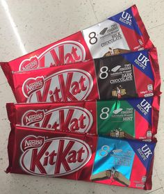 These  #KitKat 8packs are just $2ea #onsale at @woolworths_au until 4.10.16 Has anyone tried these new flavours? Yay or nay? . . . . #bargain #nestle #nestlekitkat #chocolate #chocolatelover #betterthanhalfprice #haveabreakhaveakitkat #milkchocolate #darkchocolate #mintchocolate #cookiesandcream #cookiesncream #woolies #woolworths #grocery #onabudget #whypaymore #smartshopper #savvyshopper #savvysaver #sep16 #oct16