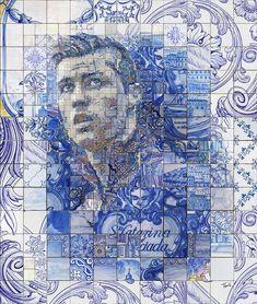 Está é uma série de mosaicos feitos a partir dos tradicionais azulejos portugueses em homenagem ao atual melhor jogador do mundo: Cristiano Ronaldo.