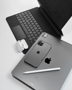 Free Iphone, Iphone 11, Apple Iphone, Iphone Cases, Airpods Apple, Apple Ipad, Airpods Macbook, Macbook Air 13 Pouces, Accessoires Iphone