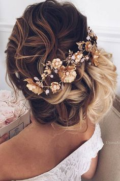 Ulyana Aster Long Wedding Hairstyles & Updos 9 / http://www.deerpearlflowers.com/romantic-bridal-wedding-hairstyles/3/