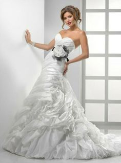 Buy Wedding Dress Sottero and Midgley Dion 2012 at cheap price Couture Wedding Gowns, Formal Dresses For Weddings, Wedding Dresses Photos, Used Wedding Dresses, Perfect Wedding Dress, Wedding Dress Styles, Designer Wedding Dresses, Bridal Dresses, Prom Dresses