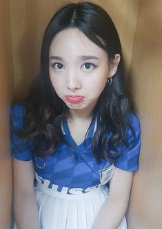 😀cute phô mai que😀 😄. South Korean Girls, Korean Girl Groups, K Pop, Twice Korean, Nayeon Twice, Im Nayeon, Hirai Momo, Queen, Asian Girl
