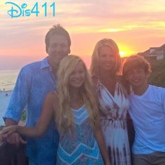 Photo: Olivia Holt With Her Family On The 4th Of July 2014