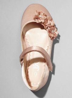 Photo 5 of Bridesmaid Daisy Blush Corsage Shoe