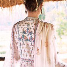 #AnitaDongre #AnitaDongreCouture #SongsofSummer #SS18 #AnitaDongreFineJewellery #SS18Campaign #AnitaDongreWeddingCouture #Bridelan #BridelanIndia Pakistani Dresses Online, Indian Dresses, Indian Outfits, Anita Dongre, Indian Bridal Wear, Indian Wear, Kurta Designs, Blouse Designs, New Suit Design