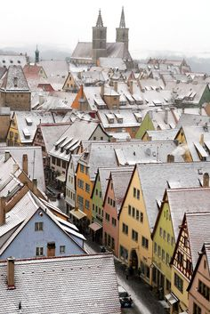 The houses of Rothenburg-ob-der-Tauber, Bavaria, Germany | by benruane