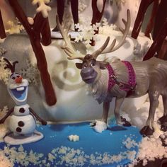 Olaf and Sven Disney frozen characters and toy caketopper by chenjezzycoolcakes
