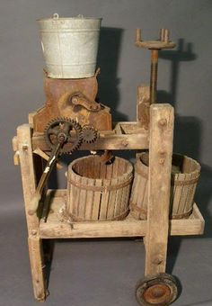 Old Apple Press to make apple cider with