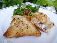 Ziegenkäse im Blätterteig :-) einfach, schnell und lecker :-) #Ziegenkäse #Tascherl #gefüllte Taschen #kochen #einfache Gerichte #yummy