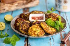 Itämaiset haukipihvit valmistat vaikka mökkirannasta narratusta hauesta. Ne maistuvat ihanan dippikastikkeen kanssa ihan sellaisenaankin tai raikkaan salaatin kanssa. Suurenna tai pienennä ohjetta tarpeen mukaan. Baked Potato, Potatoes, Baking, Ethnic Recipes, Food, Potato, Bakken, Essen, Meals