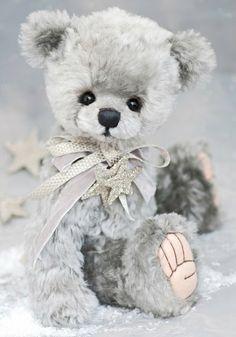 Peluche uploaded by María José on We Heart It Vintage Teddy Bears, Cute Teddy Bears, Ours Boyds, Stuffed Animals, Charlie Bears, Love Bear, Bear Doll, Shabby, Jenny Johnson