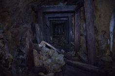 Timbering in an zinc abandoned mine, Oregon. [OC] [3000x2000] : AbandonedPorn