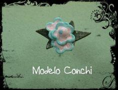 Modelo Conchi. Alfiler de novia en pasta de papel