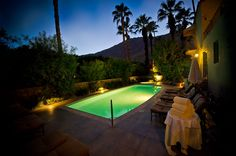 Vintage Digs at Willows Historic Palm Springs Inn