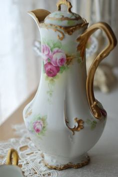 ~ Chocolate Pot ~ but my Grandma Jessie would have called this a cocoa pot Vintage Dishes, Vintage China, Vintage Tea, Antique China, Antique Dishes, Chocolate Pots, Chocolate Coffee, Tea Tray, Teapots And Cups