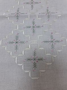 Hardanger Embroidery, Embroidery Art, Cross Stitch Embroidery, Christmas Embroidery Patterns, Embroidery Patterns Free, Viking Tattoo Design, Viking Tattoos, Bargello, Embroidery On Kurtis