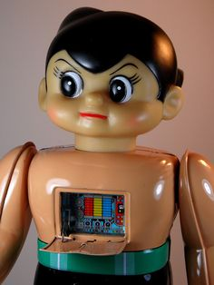 Osaka Tin Toy Institute – The Tin Age Collection – Electric Powered Tetsuwan Atom (電動鉄腕アトム) – Close Up with Chest Plate Open by My Toy Museum on Flickr