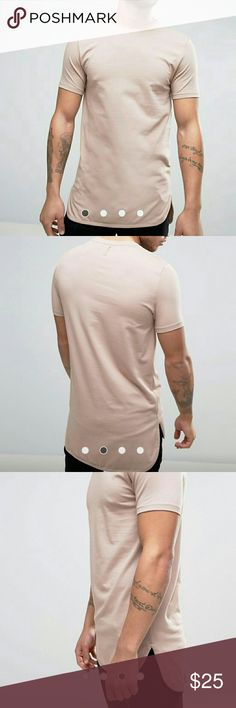 """Super Longline Muscle T-Shirt With Curved Step Hem NEW NEVER WORN!! Stretch jersey Crew neck Slim-cut sleeves Dipped hem Super longline cut Cut longer than standard length Skinny fit - cut tighter to the body Machine wash 94% Cotton, 6% Elastane Our model wears a size Medium and is 185.5cm/6'1"""" tall Asos Shirts Tees - Short Sleeve"""