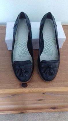 Exc condition ladies black leather loafers by Clarks size 7 | eBay