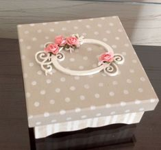 Home Crafts, Arts And Crafts, Paper Crafts, Cold Porcelain Flowers, Baby Memories, All Paper, Diy Box, Baby Decor, Paper Design