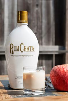 Apple Pie Chata 3 oz apple pie liqueur 2 oz Rum Chata {gonna try with pumpkin pie liqueur, too! New Year's Drinks, Cocktail Drinks, Fun Drinks, Yummy Drinks, Alcoholic Drinks, Cocktail Recipes, Drink Recipes, Beverages, Apple Pie Vodka
