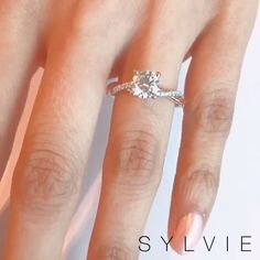 """A classic yet sophisticated spiral engagement ring like this is a surefire way to have her saying """"I Do!"""" - Learn more about this style here: Dream Engagement Rings, Classic Engagement Rings, Stacked Wedding Rings, Wedding Ring Designs, Wedding Ring Styles, Wedding Ideas, Ring Verlobung, Solitare Ring, Unique Rings"""