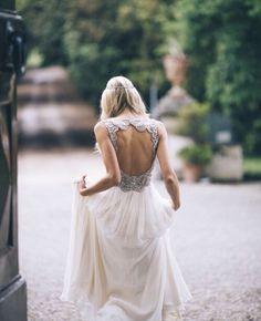 Este vestido pode ser utilizado para um baile de finalistas.