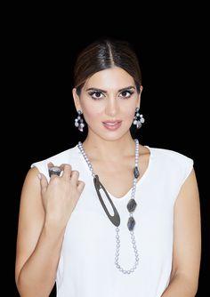 Κολιέ: Silver 925 Labradorite & Natural Pearls Σκουλαρίκια: Silver 925 Natural Pearls Quartz  Δαχτυλίδι: Silver 925 Natural Pearl Labradorite, Pearl Necklace, Pearls, Gold, Accessories, Jewelry, Fashion, Jewellery Making, Moda