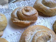 ΤΑΧΙΝΟΠΙΤΑ  | Koykoycook Sweet Recipes, Hamburger, Muffin, Food And Drink, Bread, Breakfast, Morning Coffee, Muffins, Breads