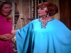 Feeling blue Endora Bewitched, Bewitched Cast, Agnes Moorehead, It Cast, Sari, Classy, Characters, Actresses, Elegant