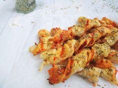 Paradicsomos-oregánós csavart | SÜTIZŐ Shrimp, Food And Drink, Sweets, Meat, Recipes, Gummi Candy, Candy, Goodies