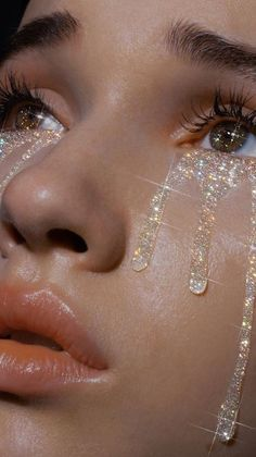 Glitter can be a fun way to update your beauty routine. Here are our reasons why you need glitter in your daily life! Boujee Aesthetic, Bad Girl Aesthetic, Aesthetic Collage, Aesthetic Makeup, Aesthetic Vintage, Aesthetic Pictures, Crying Aesthetic, Travel Aesthetic, Aesthetic Fashion