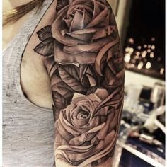 Roses are really popular on the shoulder but they're soo pretty!! Love it