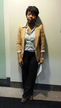 Great outfit to meet recruiters at a Career Fair - and having a smile is a big plus too! | Women ...