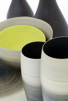 Pottery by Rina Menardi. Beautiful colors and subtlety of form. Inspiring.