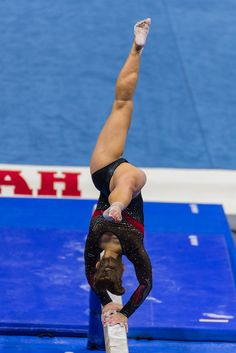 Women's Gymnastics, Gymnastics Pictures, Artistic Gymnastics, Nadia Comaneci Perfect 10, Most Beautiful Black Women, Women's Diving, Lisa Rinna, Female Gymnast, Ski Goggles