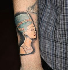 The pharaoh tattoo, part of the great Egyptian civilization, enjoys quite a reputation among the tattoo wearers and there are thousands of fans of this tattoo. Small White Tattoos, Small Matching Tattoos, Small Back Tattoos, Tattoo Design For Hand, Indian Tattoo Design, Small Tattoo Designs, Mandala Tattoo Sleeve Women, Shoulder Sleeve Tattoos, Neck Tattoo For Guys