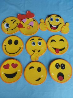 Emoticons Kids Crafts, Foam Crafts, Preschool Crafts, Diy And Crafts, Arts And Crafts, Paper Crafts, Funny Cartoon Faces, Emoji Craft, Alphabet Drawing