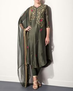 Olive Green Kurta Set with Bird Motifs
